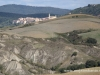 Crete Senesi widok na San Giovanni dAsso
