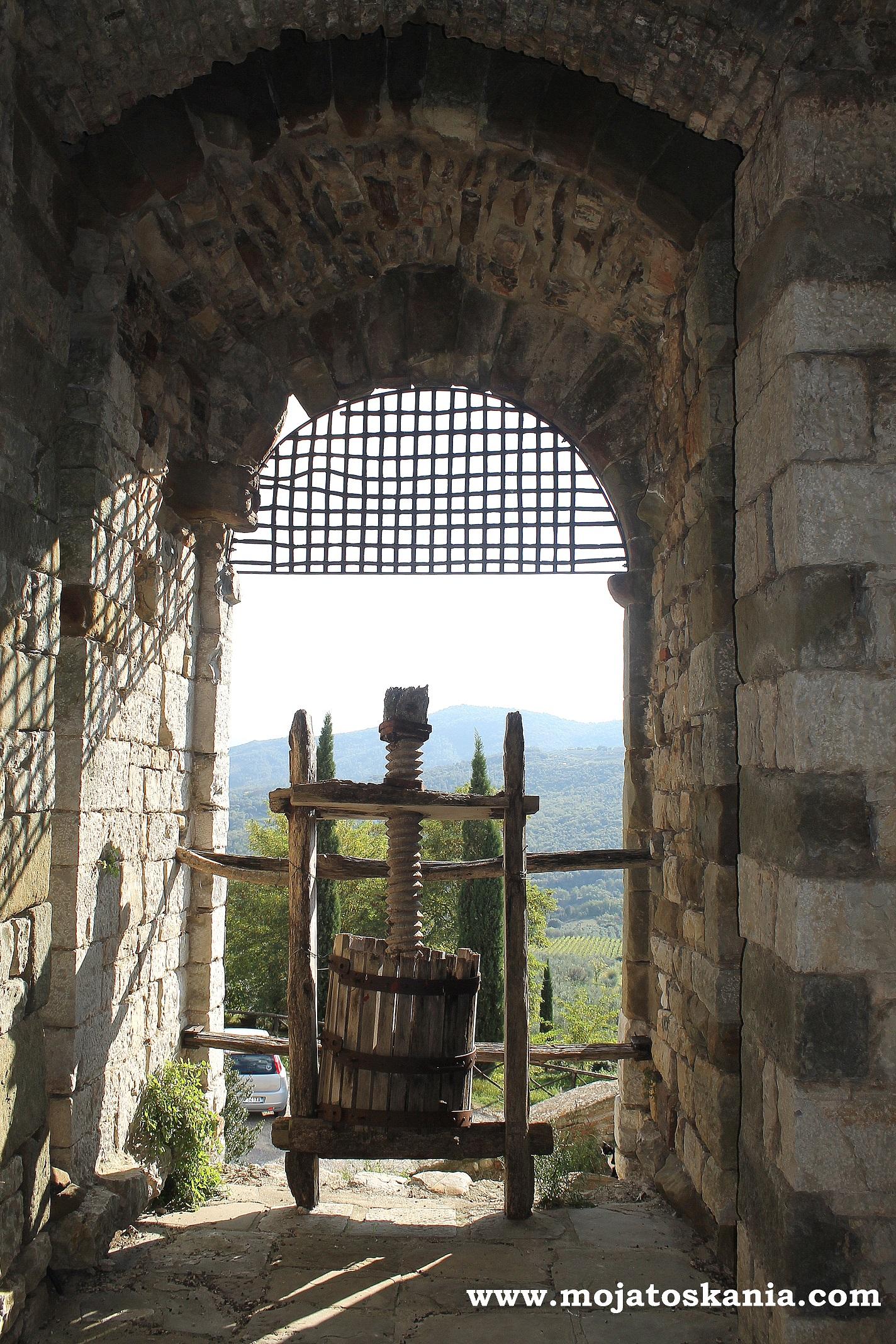 wieza wyciskarka do soku winogronowego