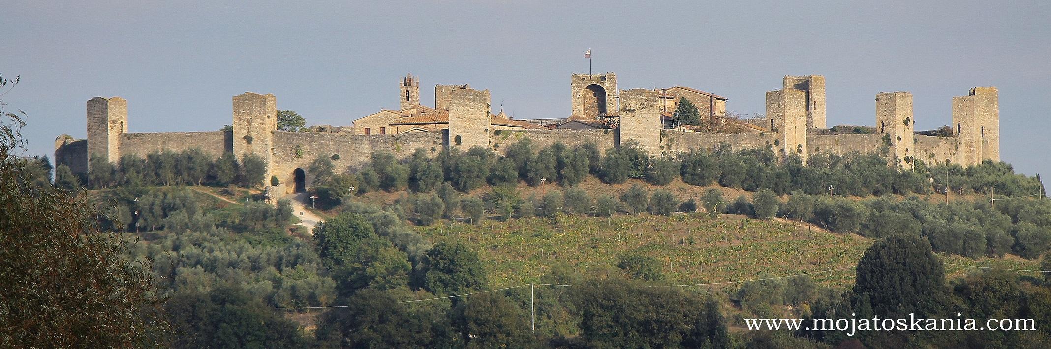 Monteriggioni otoczone murami ma kształt tortu :) W sam raz do świętowania.
