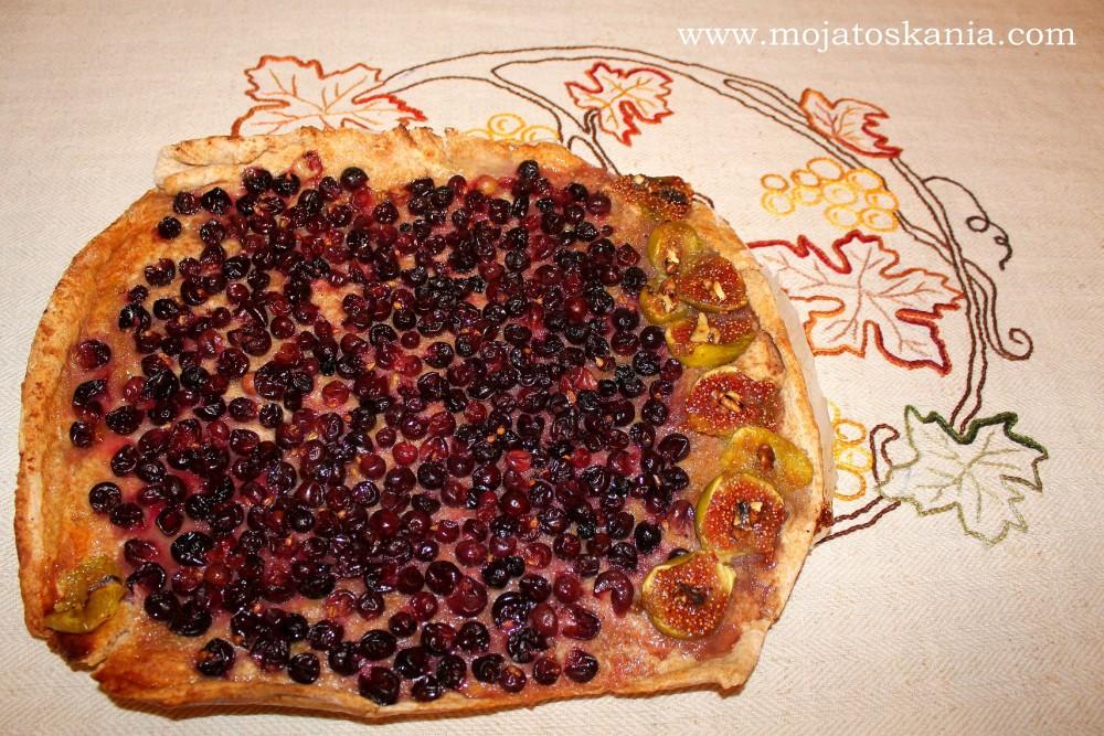 Panello con uva - chlebek z winogronami (tradycyjnie na spodzie pizzy) wykonany przez wspaniałą osobę - Brunę, córkę mojej podopiecznej :)