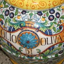 Oliwa z oliwek i drzewka koralikowe