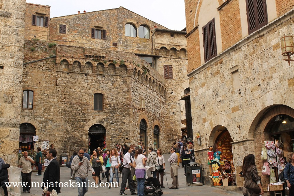 tlum San Gimignano