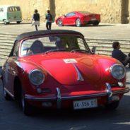 Arezzo, rajd retro w Toskanii i Młoda Para