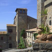 Miasto i jezioro Bolsena – moja bajka. Vesconte, Francigena, Corpus Domini i Złota Rybka Da Picchietto