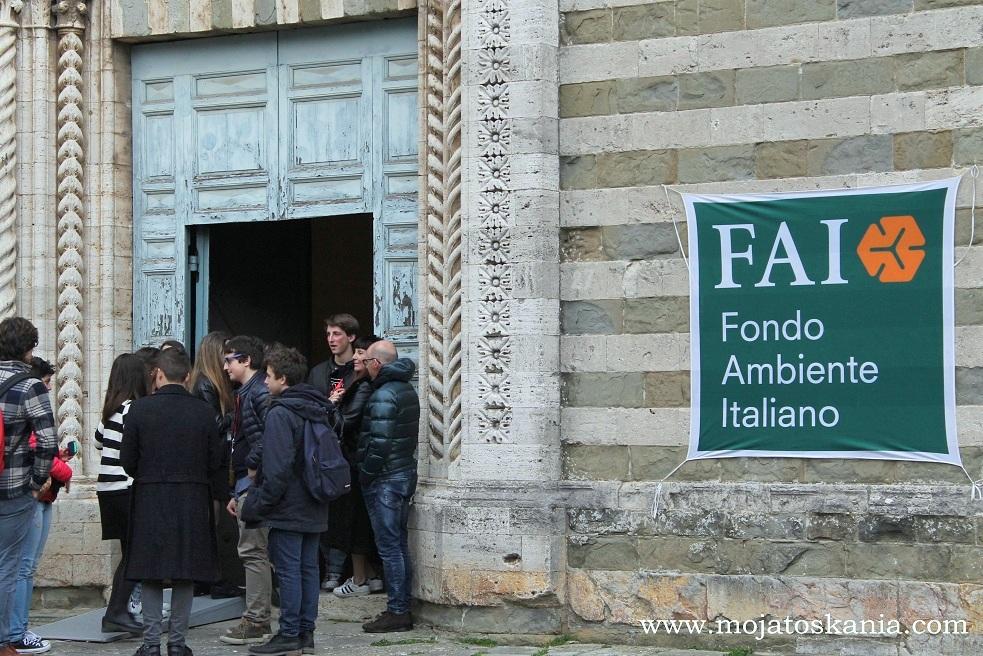 Lucignano, Giornate FAI di Primavera Chiesa di San Francesco, la entrata
