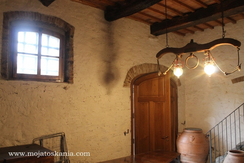 1 Villa Antica entrata luce dalla finestra