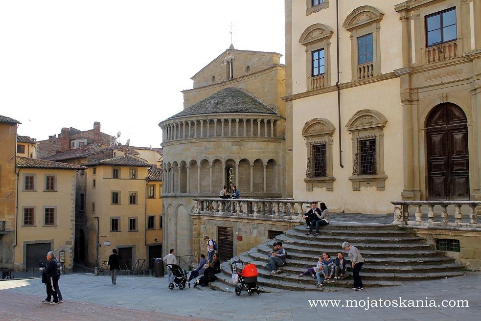 16 Arezzo