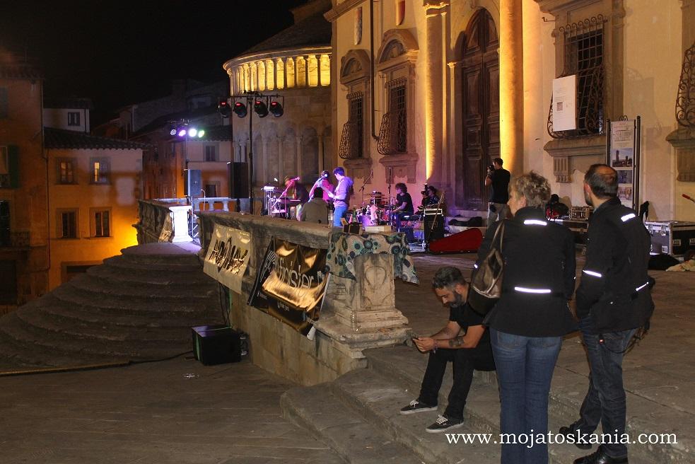 17 Arezzo noc
