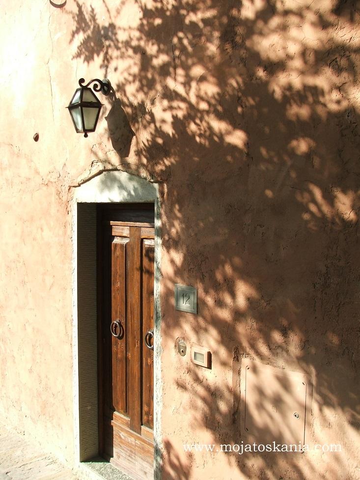 23 Borro drzwi