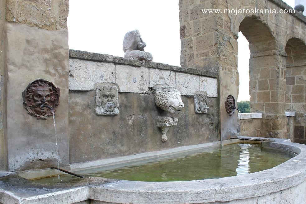 3 Pitigliano studnia