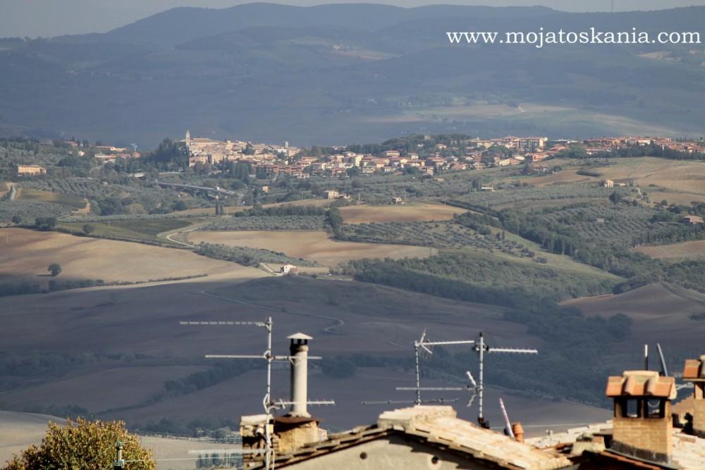 4 Niebieskie San Quirico Widok z Montalcino