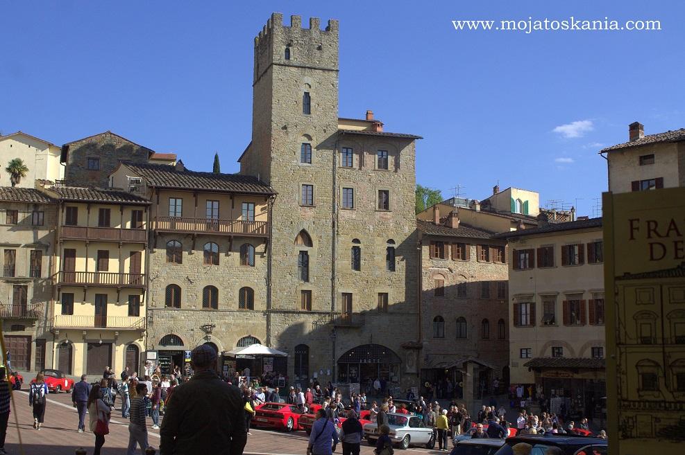 5 Arezzo Piazza Grande 2