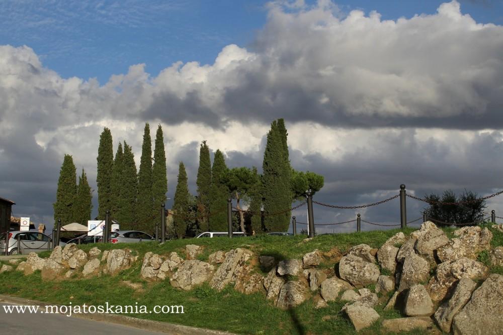 5 Chmury nad Montalcino
