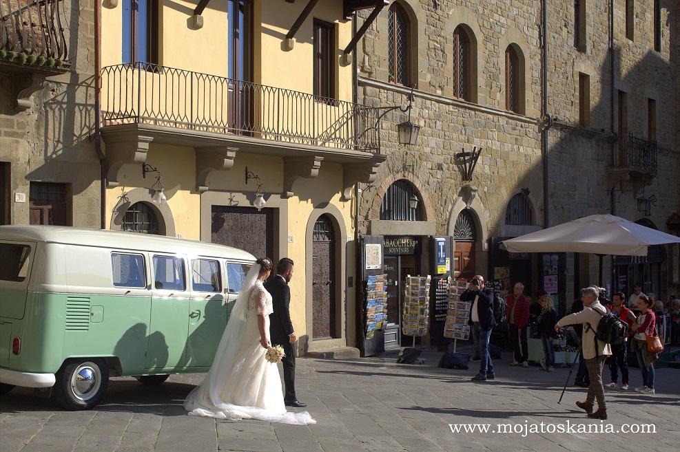 7 Arezzo la Piazza Grande che bella copia