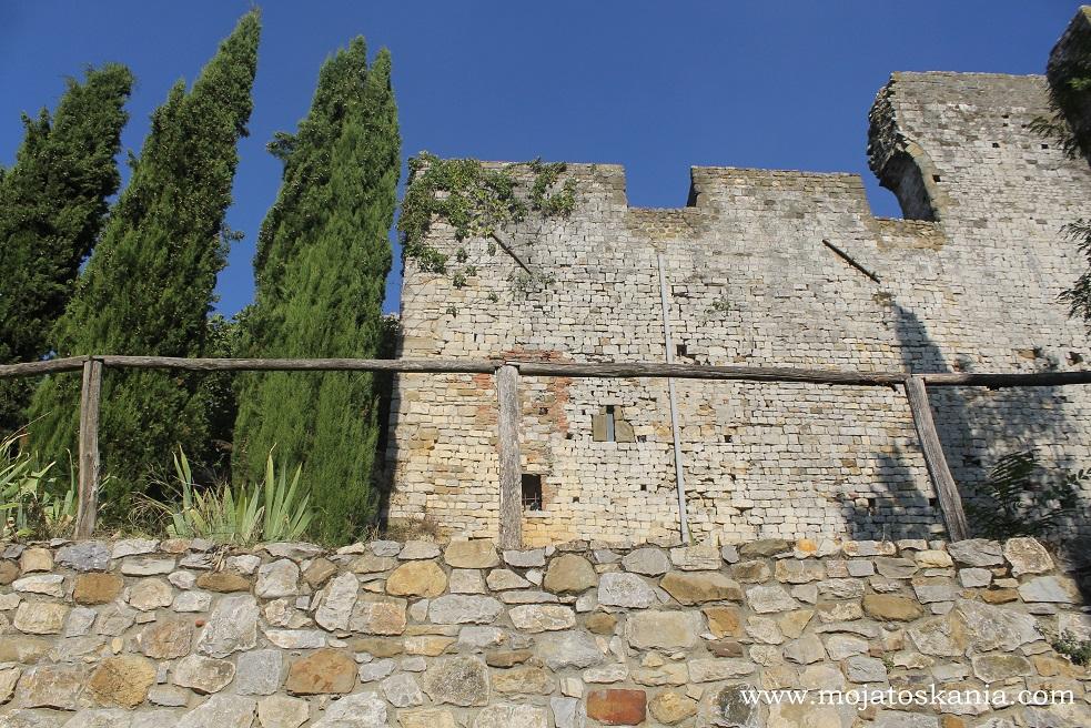 7 Castello Cennina
