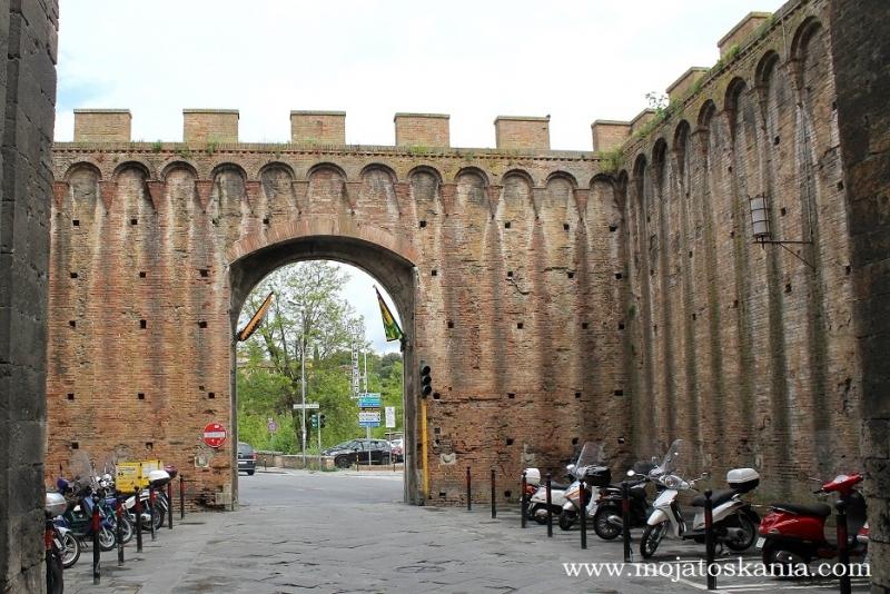 9 Porta Ovile Siena